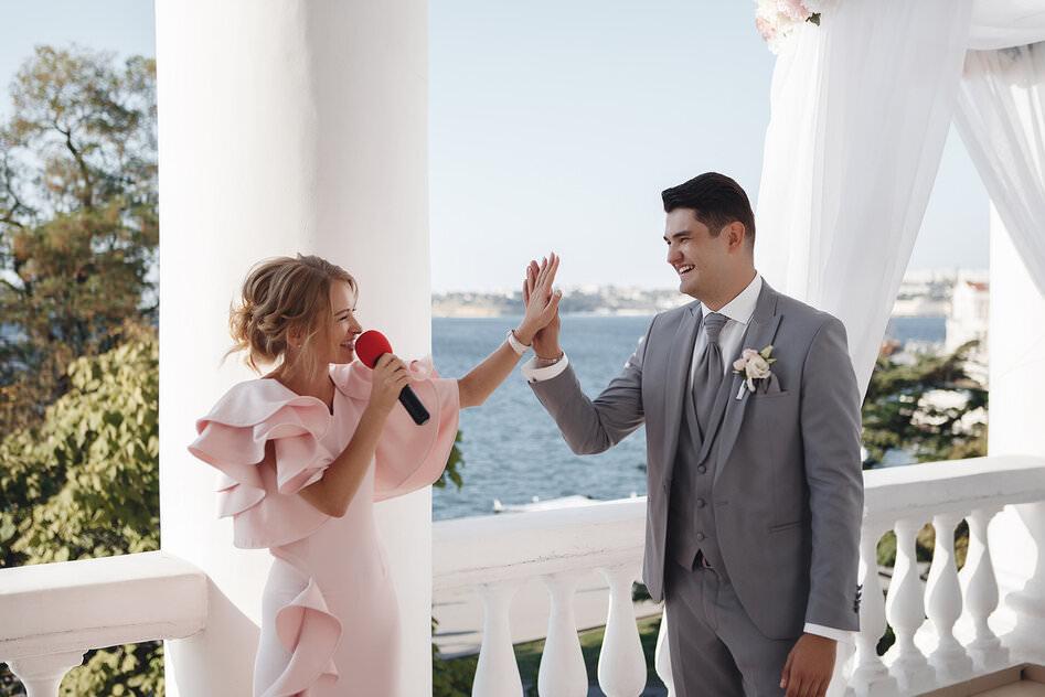 Ведущая на свадьбу 11